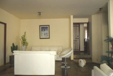 Foto Casa de 4 quartos para alugar no Bandeirantes (Pampulha) em Belo Horizonte - Imagem 01
