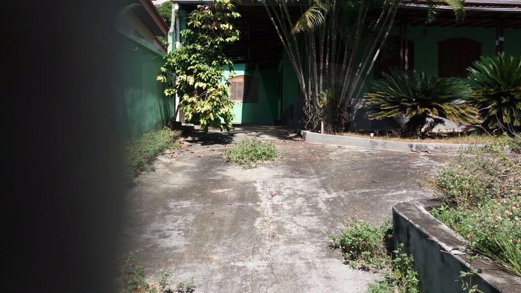 Foto Casa de 4 quartos à venda no Braúnas em Belo Horizonte - Imagem 02