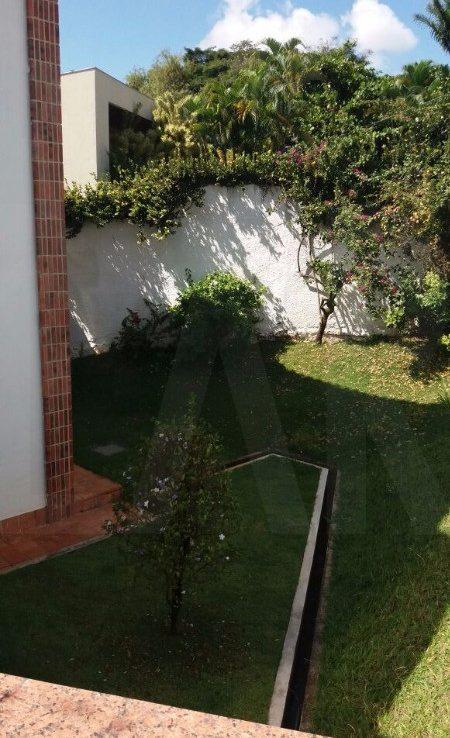 Foto Casa de 4 quartos à venda no Braúnas em Belo Horizonte - Imagem