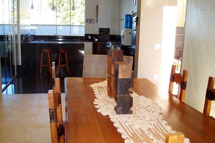 Foto Casa em Condomínio de 3 quartos à venda no Alphaville em Nova Lima - Imagem 03
