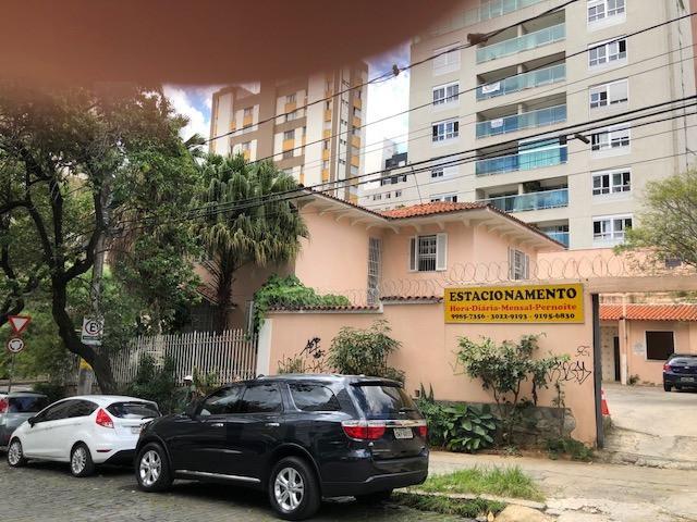 Foto Casa Comercial de 6 quartos à venda no Lourdes em Belo Horizonte - Imagem