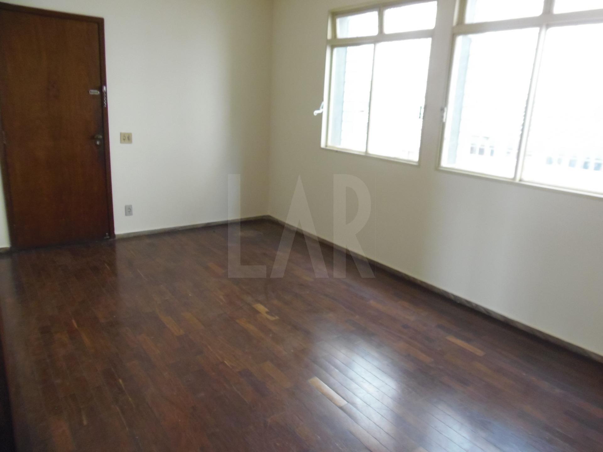 Foto Apartamento de 3 quartos à venda no Santo Antônio em Belo Horizonte - Imagem 02