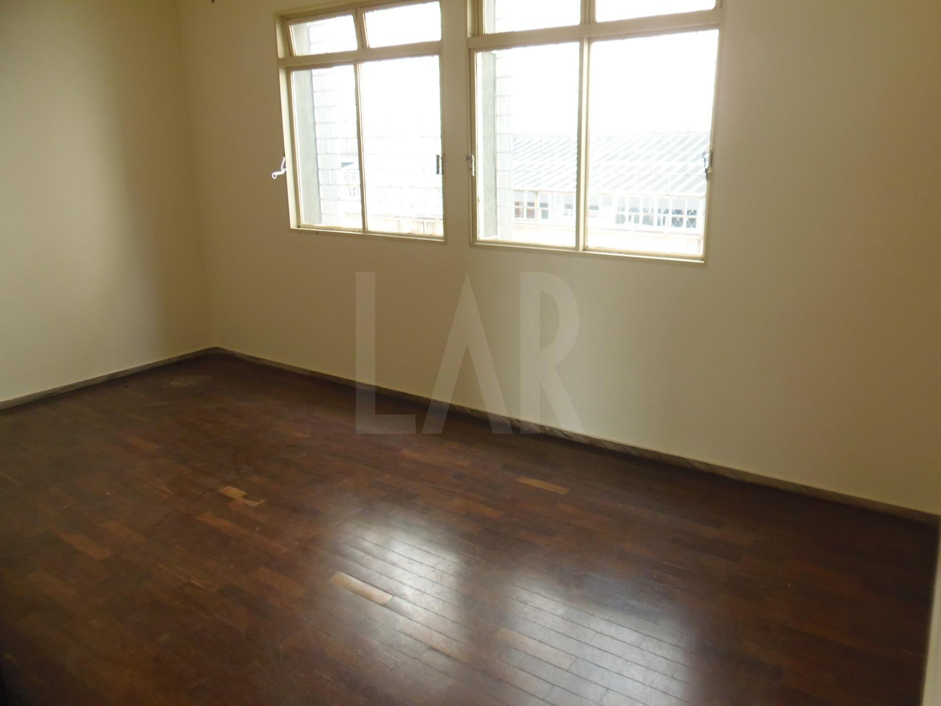 Foto Apartamento de 3 quartos à venda no Santo Antônio em Belo Horizonte - Imagem 03
