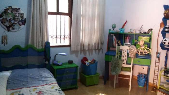 Foto Casa de 5 quartos à venda no Santo Antônio em Belo Horizonte - Imagem 02