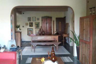Foto Casa de 5 quartos à venda no Santo Antônio em Belo Horizonte - Imagem 01