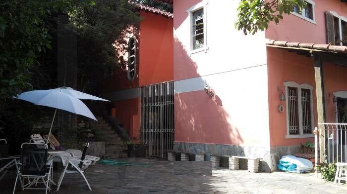 Foto Casa de 5 quartos à venda no Santo Antônio em Belo Horizonte - Imagem 09