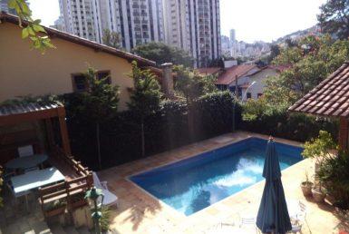 Foto Casa Comercial de 4 quartos para alugar no São Bento em Belo Horizonte - Imagem 01