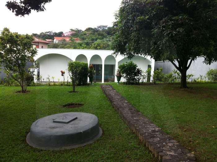 Foto Casa de 8 quartos à venda no Braúnas em Belo Horizonte - Imagem 02