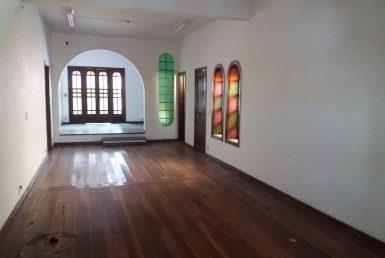 Foto Casa Comercial de 5 quartos para alugar no Santo Antônio em Belo Horizonte - Imagem 01