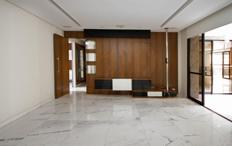 Foto Apartamento de 4 quartos para alugar no Lourdes em Belo Horizonte - Imagem 02