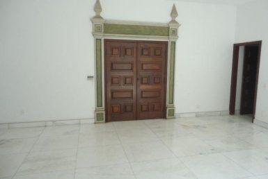 Foto Casa de 4 quartos para alugar no Cidade Jardim em Belo Horizonte - Imagem 01