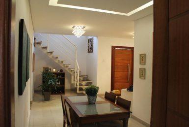 Foto Casa de 4 quartos à venda no Glória em Belo Horizonte - Imagem 01