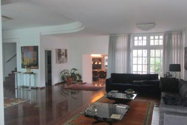 Foto Casa de 6 quartos à venda no São Luiz em Belo Horizonte - Imagem 01
