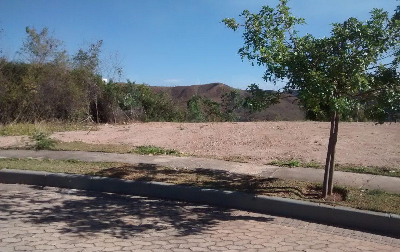 Foto Lote em Condomínio à venda no Vale dos Cristais em Nova Lima - Imagem