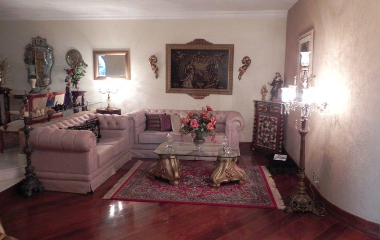 Foto Apartamento de 5 quartos para alugar no Sion em Belo Horizonte - Imagem 02