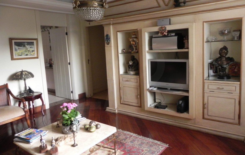 Foto Apartamento de 5 quartos para alugar no Sion em Belo Horizonte - Imagem 04