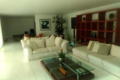 Foto Casa de 4 quartos à venda no Vila Alpina em Nova Lima - Imagem 01
