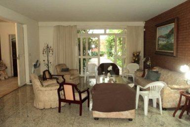 Foto Casa Comercial de 4 quartos para alugar no Santo Antônio em Belo Horizonte - Imagem 01