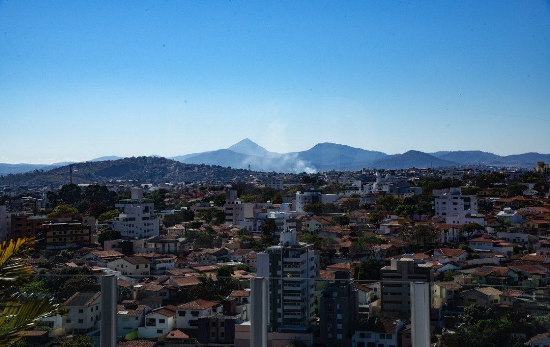 Foto Apartamento de 4 quartos à venda no Itapoã em Belo Horizonte - Imagem 02
