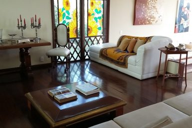 Foto Casa de 4 quartos para alugar no Mangabeiras em Belo Horizonte - Imagem 01