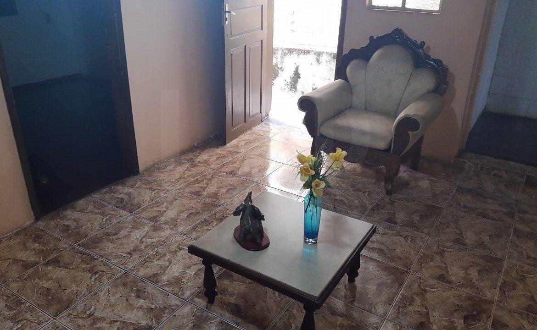 Foto Casa de 4 quartos à venda no Santa Tereza em Belo Horizonte - Imagem 02