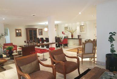 Foto Casa de 4 quartos à venda no Santa Lúcia em Belo Horizonte - Imagem 01