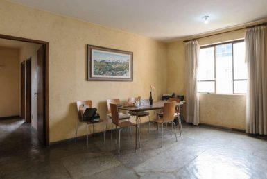 Foto Casa de 6 quartos à venda no São Lucas em Belo Horizonte - Imagem 01