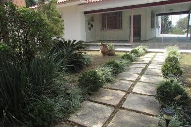 Foto Casa de 3 quartos para alugar no São Luiz em Belo Horizonte - Imagem 01