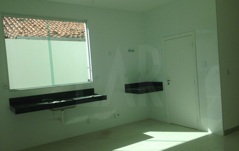 Foto Casa Geminada de 4 quartos à venda no Castelo em Belo Horizonte - Imagem