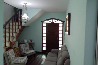 Foto Casa de 4 quartos para alugar no Sagrada Família em Belo Horizonte - Imagem 01