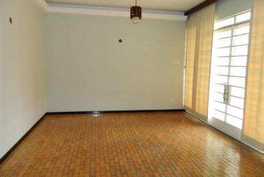 Foto Casa de 3 quartos para alugar no Santo Antônio em Belo Horizonte - Imagem 01