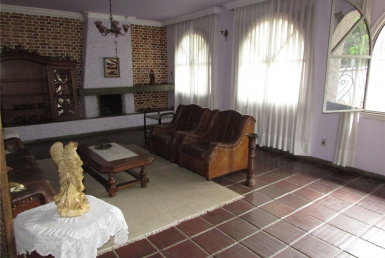 Foto Casa de 5 quartos para alugar no São Luiz em Belo Horizonte - Imagem 01
