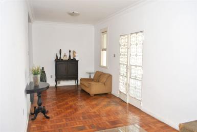 Foto Casa de 3 quartos à venda no Serra em Belo Horizonte - Imagem 01