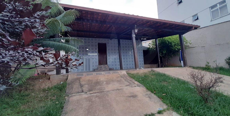Foto Casa de 5 quartos à venda no Santa Inês em Belo Horizonte - Imagem 02