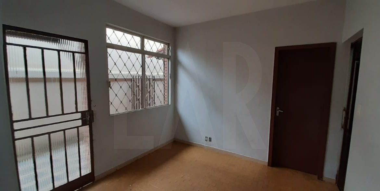Foto Casa de 5 quartos à venda no Santa Inês em Belo Horizonte - Imagem 04