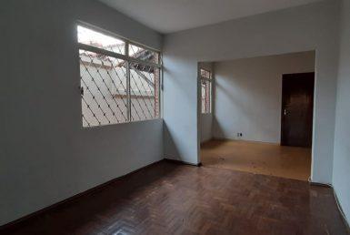 Foto Casa de 5 quartos à venda no Santa Inês em Belo Horizonte - Imagem 01