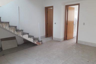 Foto Casa Geminada de 2 quartos à venda no OURO PRETO em Belo Horizonte - Imagem 01