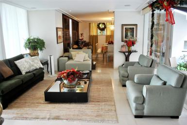 Foto Casa de 4 quartos à venda no Cidade Jardim em Belo Horizonte - Imagem 01