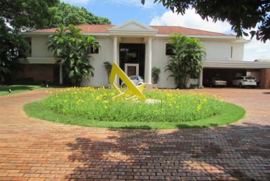 Foto Casa de 5 quartos à venda no São Luiz em Belo Horizonte - Imagem 01