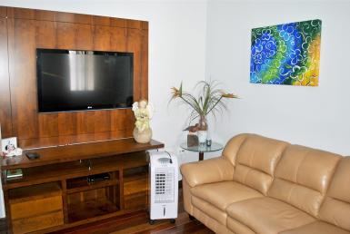 Foto Casa Geminada de 3 quartos à venda no Santa Amelia em Belo Horizonte - Imagem 01