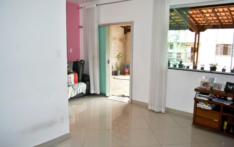 Foto Casa de 3 quartos à venda no Serrano em Belo Horizonte - Imagem 03