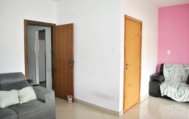 Foto Casa de 3 quartos à venda no Serrano em Belo Horizonte - Imagem 02