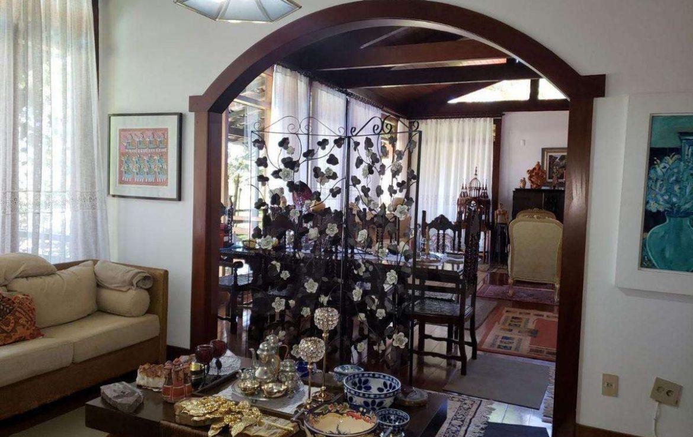 Foto Casa de 5 quartos à venda no Belvedere em Belo Horizonte - Imagem 02