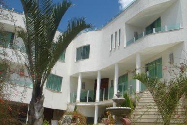 Foto Casa de 6 quartos para alugar no Bandeirantes (Pampulha) em Belo Horizonte - Imagem 01