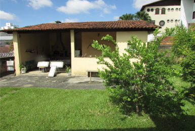 Foto Casa de 4 quartos para alugar no São Luiz em Belo Horizonte - Imagem 01