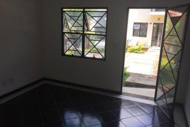 Foto Casa Geminada de 3 quartos à venda no João Pinheiro em Belo Horizonte - Imagem 01