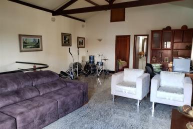 Foto Casa de 8 quartos à venda no Heliópolis em Belo Horizonte - Imagem 01