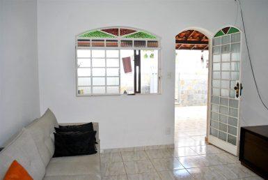 Foto Casa de 4 quartos à venda no Santa Mônica em Belo Horizonte - Imagem 01