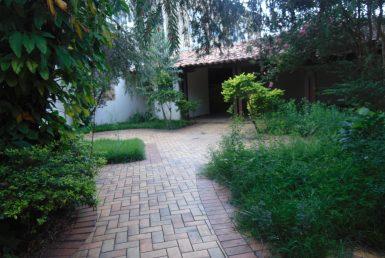 Foto Casa de 8 quartos para alugar no Santa Tereza em Belo Horizonte - Imagem 01
