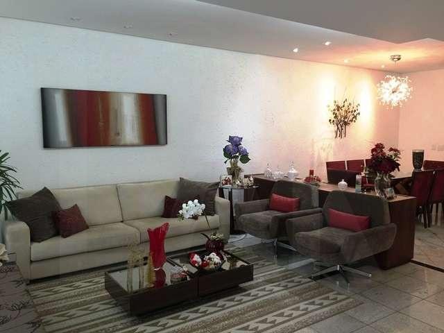 Foto Casa de 4 quartos à venda no Serra em Belo Horizonte - Imagem 02